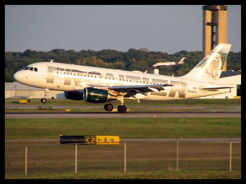 Frontier Airlines Airbus A319 (N938FR)