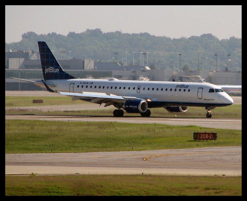 JetBlue Airways (N198JB)