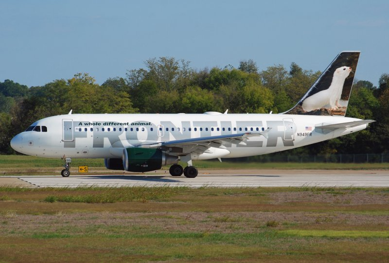 Frontier Airlines AIrbus A319-111 (N949FR) **Erma the White Ermine**