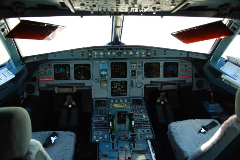 US Airways Airbus A321-211 (N186US) **Cockpit**