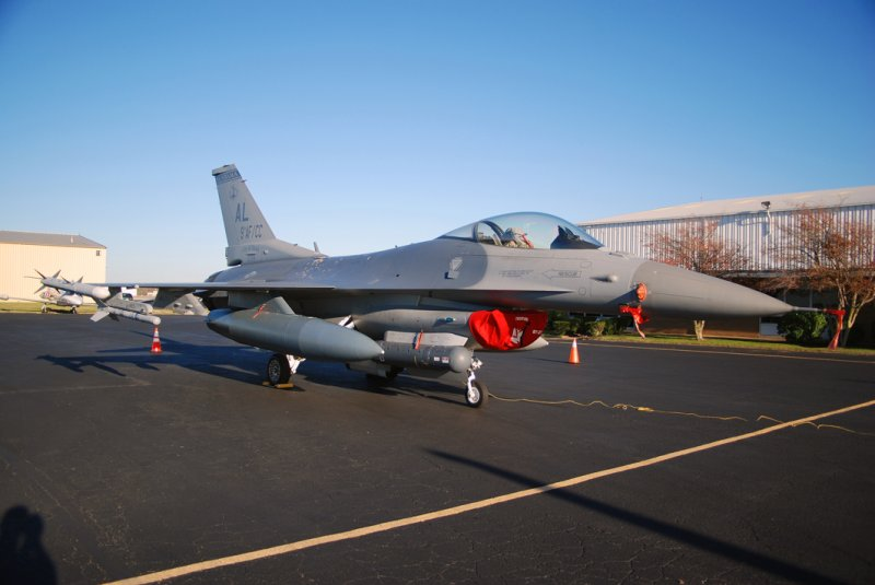 US Air Force General Dynamics F-16C Fighting Falcon (87-0276) **City of Ozark**