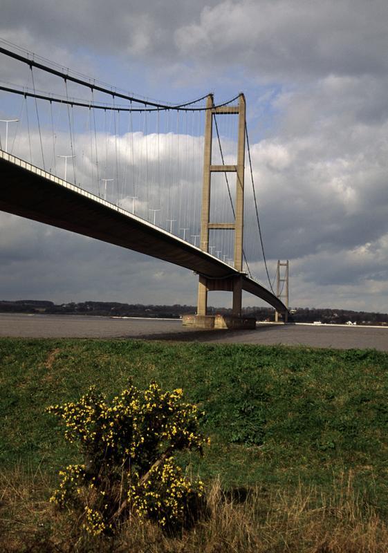 Humber Bridge vertical