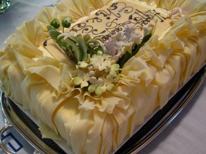 My friends engagement cake. Yummm
