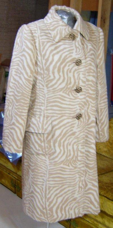Cashmere Coat Side Front