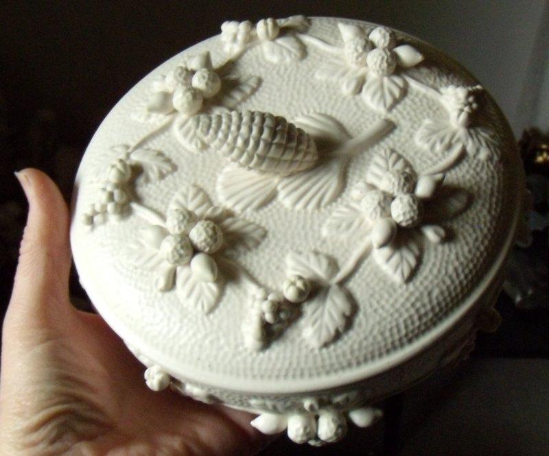 Cream Pinecown Lidded Bowl