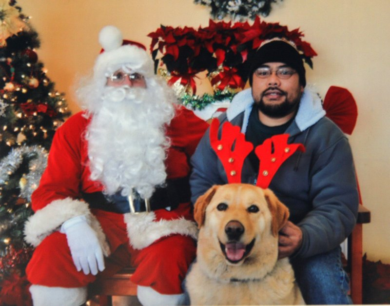 PICTURE WITH SANTA!