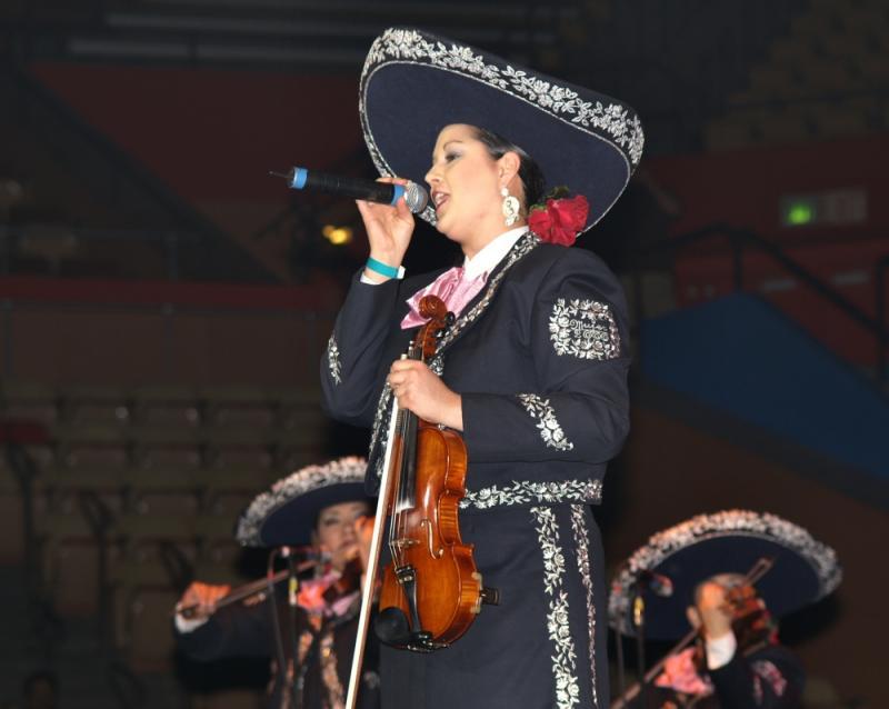 Mariachi Mujer 2000-015.jpg