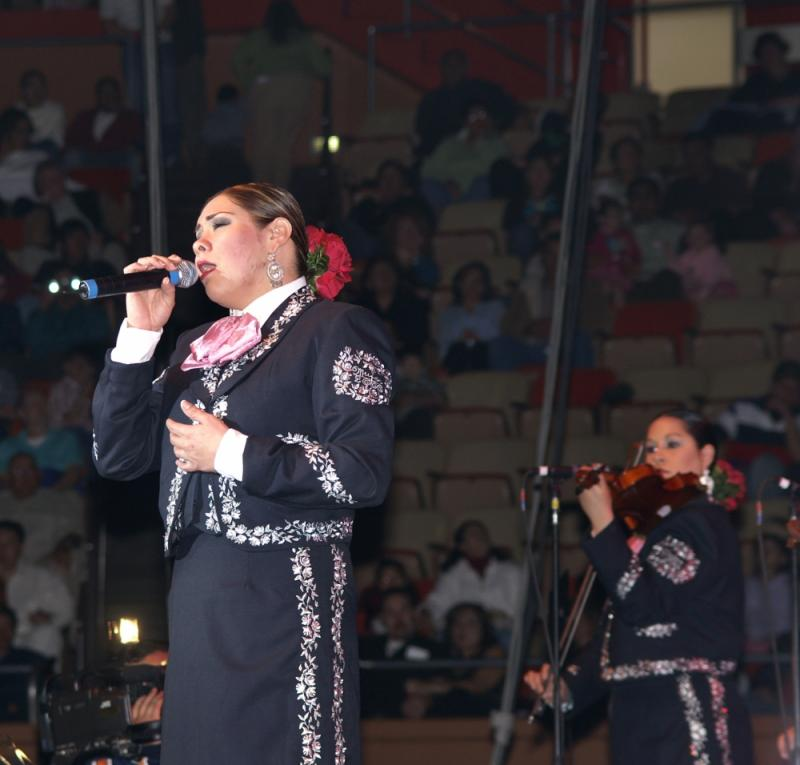 Mariachi Mujer 2000-020.jpg