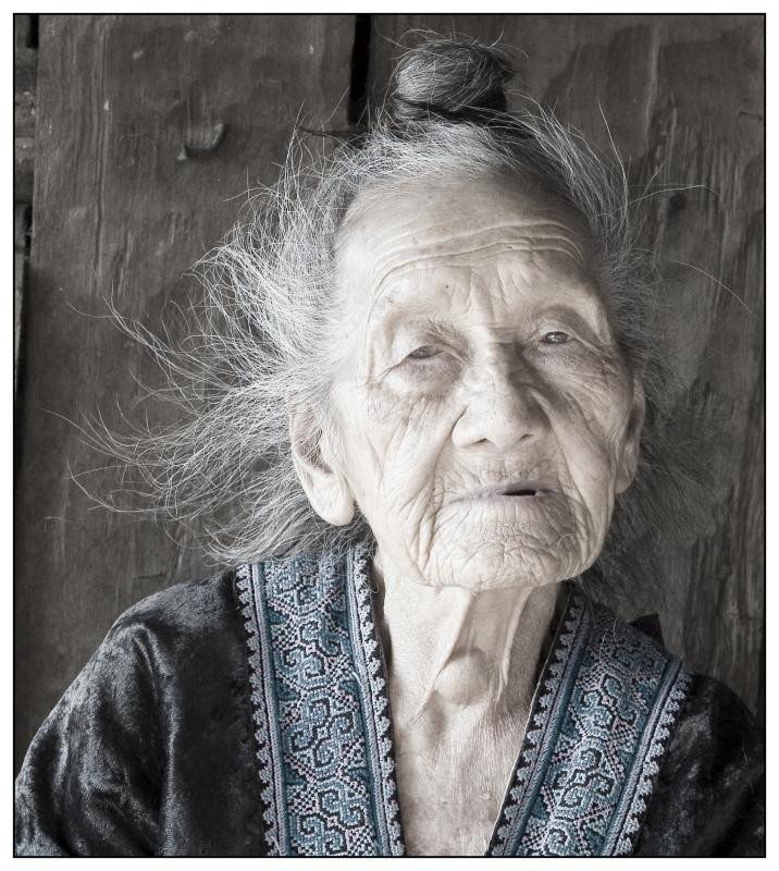 very old hmong lady