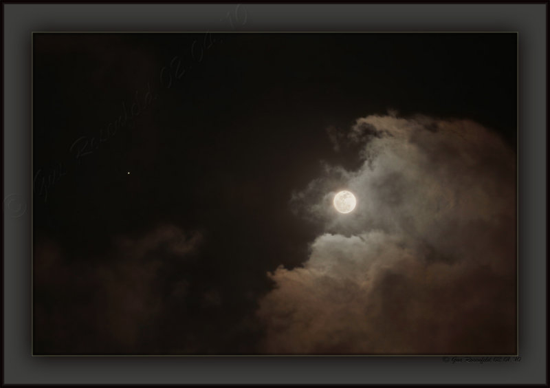 Cloud Illumination From Perigee Januarys Wolf Moon 2010 With ~ Mars @ Image Left
