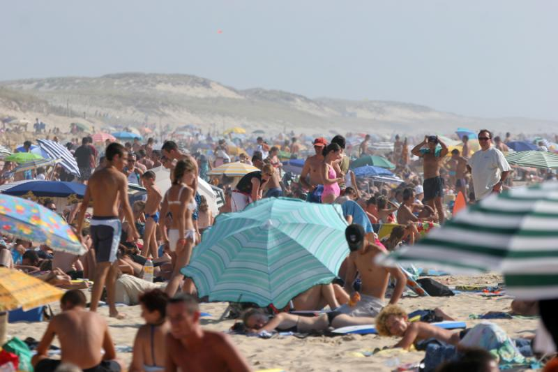 Compétitions de surf pro à Lacanau