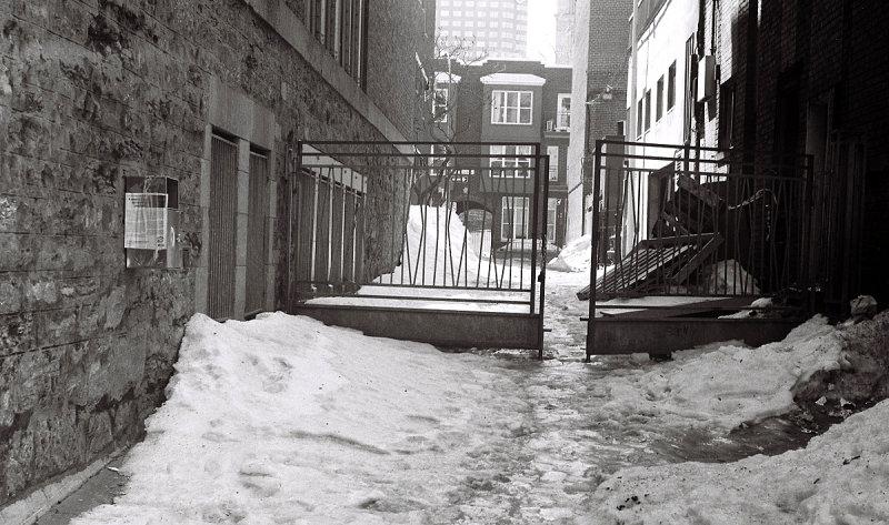 Callejuela a la salida del Invierno, Montreal