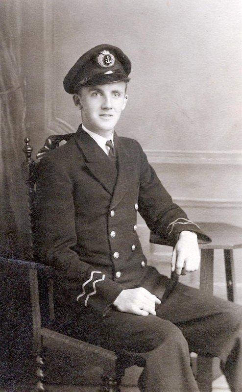 Second Radio Officer J Ross 1940s.jpg