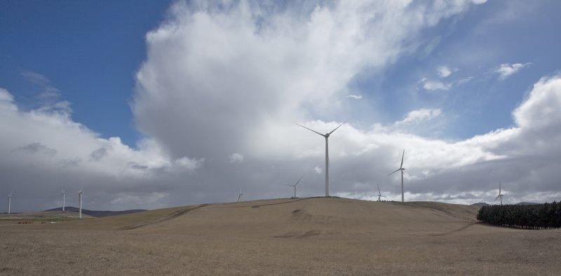 Waubra wind farm 4.jpg