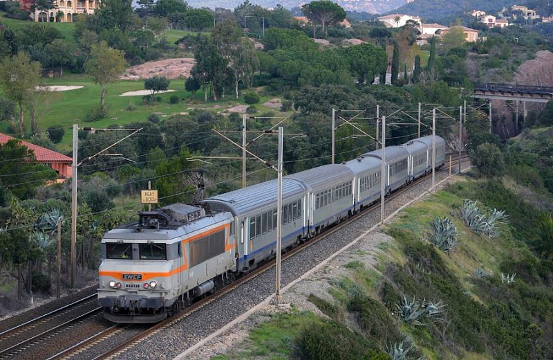 The BB22391, between Agay and Le Dramont, not far from Saint-Raphaël.