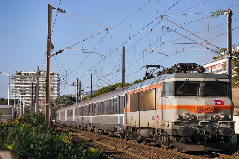 The BB22266 at Cannes-La-Bocca, heading to Nice.