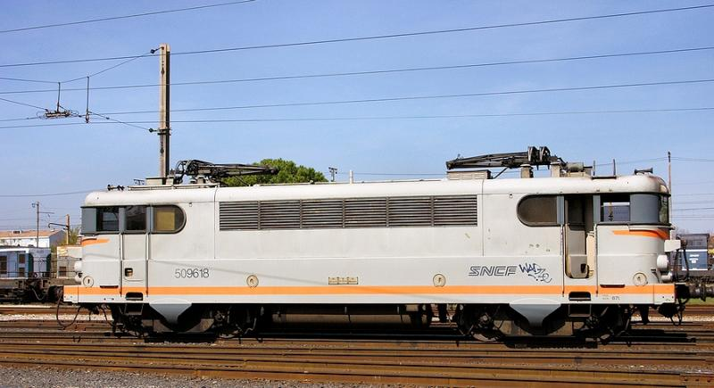 The BB9618 waiting for the next service at Avignon depot.