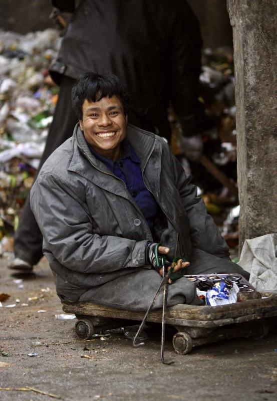 Legless and hunting through the garbage and still smiling. 4974.jpg