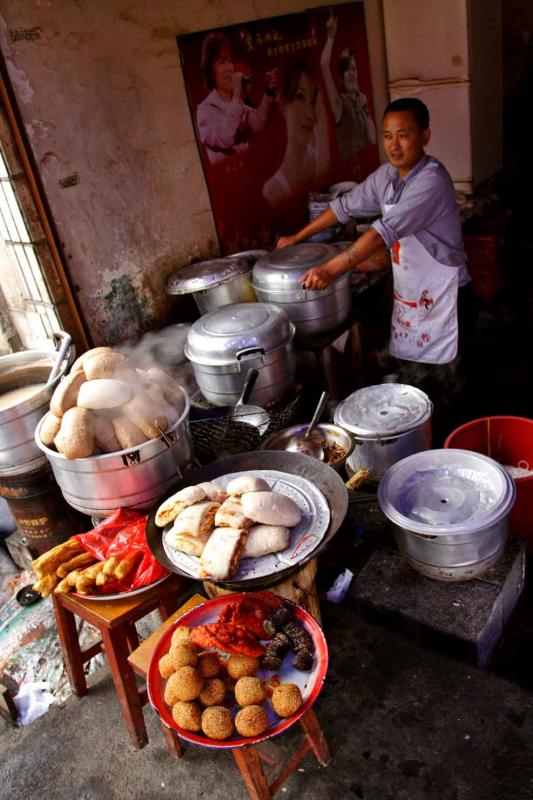 Local street restuarant steamed and fried rice breads.jpg