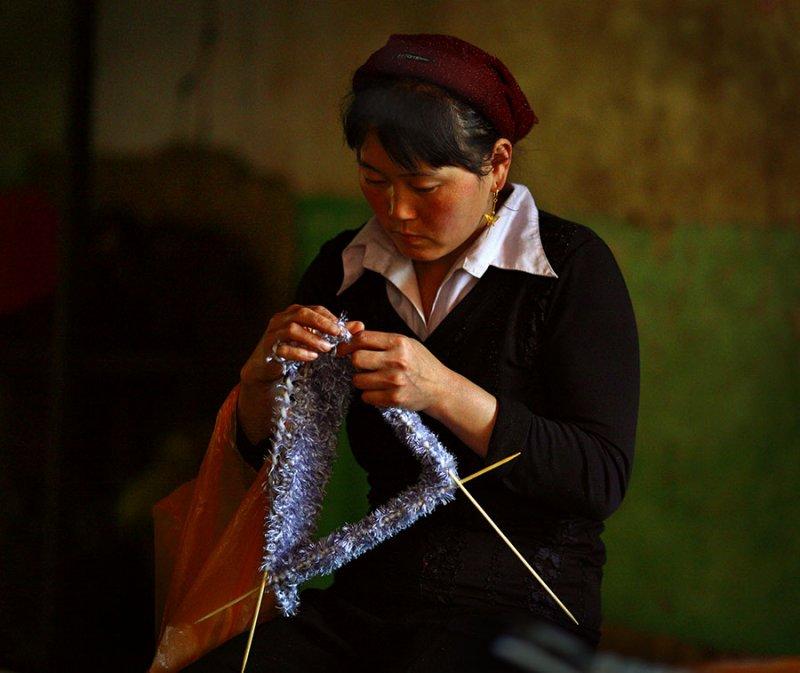 Knitter.