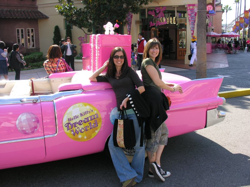 Couldnt pass up a Hello Kitty Dream Car pic....