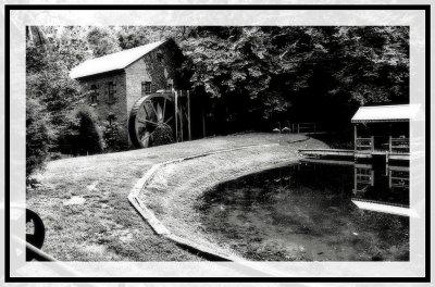Aderholdt Mill in B&W