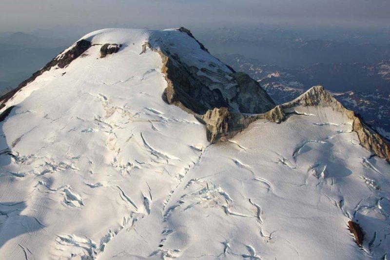 Upper SW Face & W Crater Breach <br> (MtBaker080708-_101.jpg)