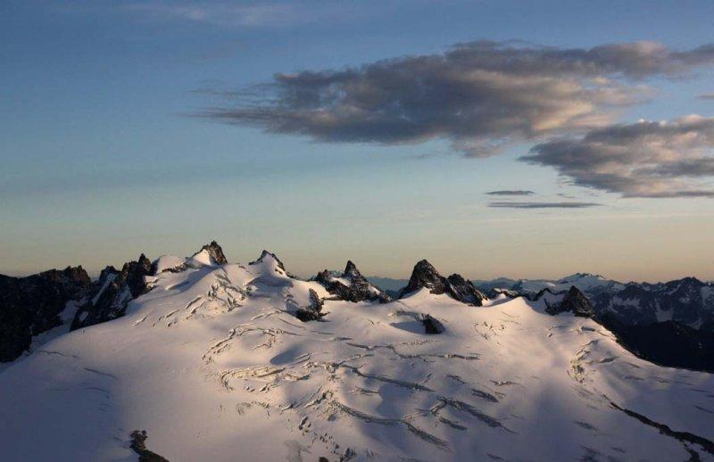 Challenger & Challenger Glacier <br> (NPickets082208-_113.jpg)