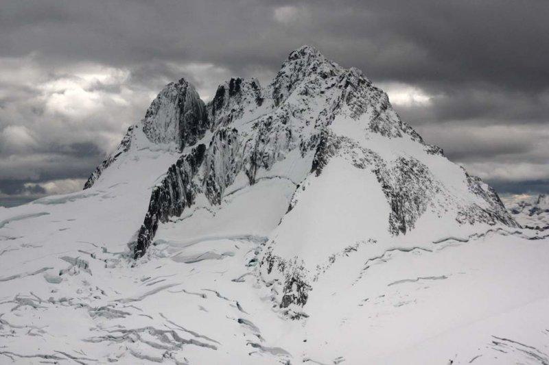 <br>Howser Towers & Upper Vowell Glacier<br>(Bugaboos090408-_542.jpg)