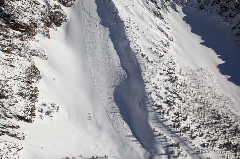 Snagtooth Ridge Avalanche <br> (Silverstar031009-_19.jpg)