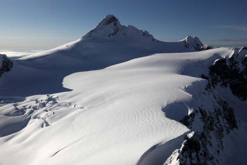 Shuksan & Upper Crystal Glacier <br> (Shuksan030609-_75adj2.jpg)