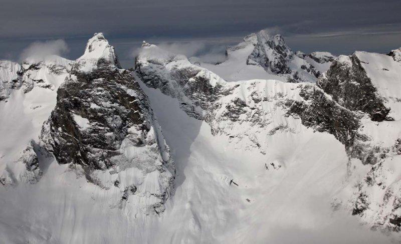 Mox Peaks & Redoubt, View W <br> (MoxPks022810-26.jpg)