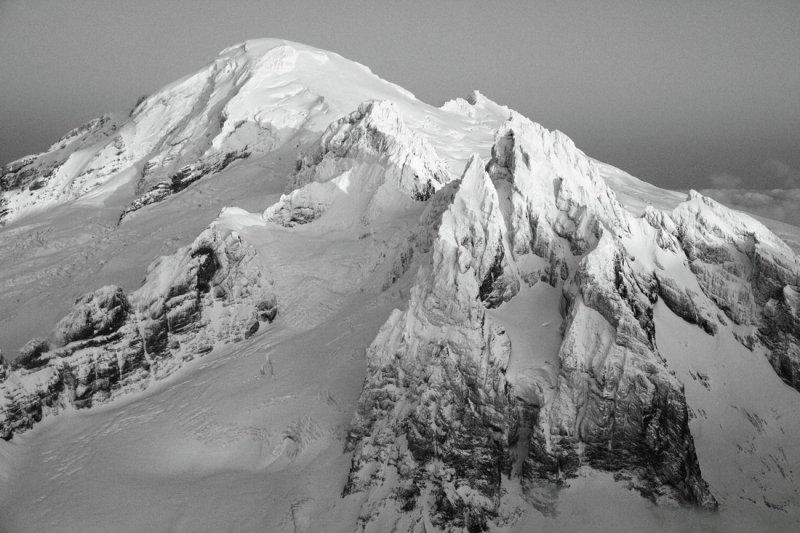Baker & Black Buttes, View SE <br> (MtBaker111209-85adjM.jpg)