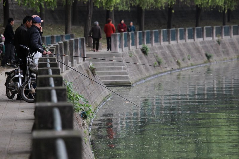 Fishermen, Jinjiang River <br> (c7x2-040610-192.jpg)
