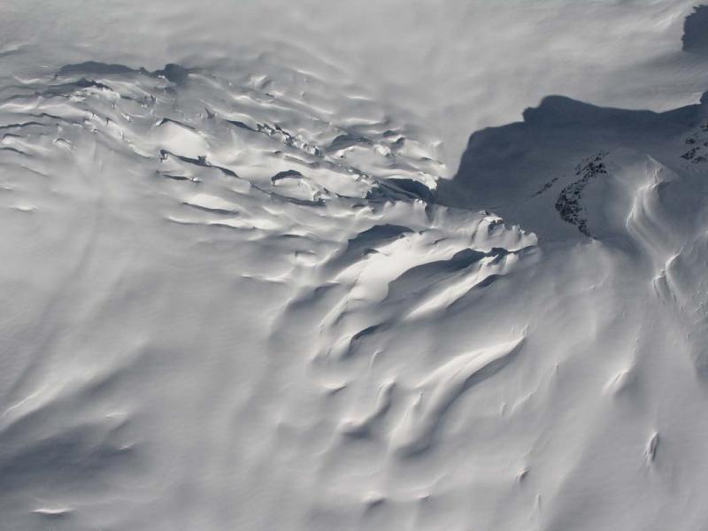 Chickamin Glacier Icefall & Crevasses (ChickaminGl031206-3adj.jpg)