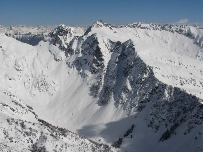 TenPeak Mt, View NE (DakobedTenPks031206-005adj.jpg)