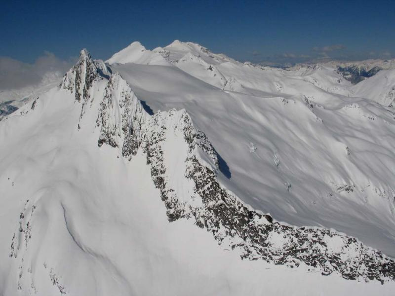 Clark Mt & Walrus Glacier, View W (DakobedTenPks031206-028adj.jpg)