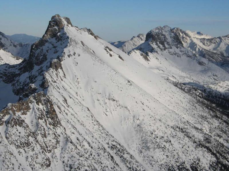 Golden Horn (L) & Tower Mt, View E (GoldenHorn021806-12adj.jpg)