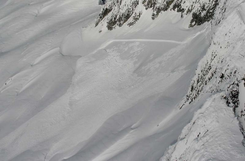 Perdition, S Face Slab Avalanche  <br>  (Perdition020206-11adjcrop.jpg)