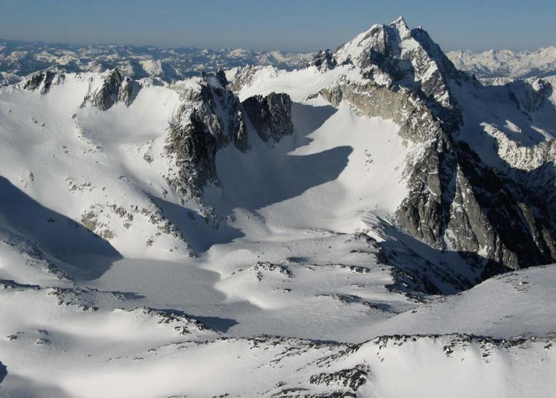 Dragontail Plateau, View SW <br>(StuartEnchantments020906-112adj.jpg)