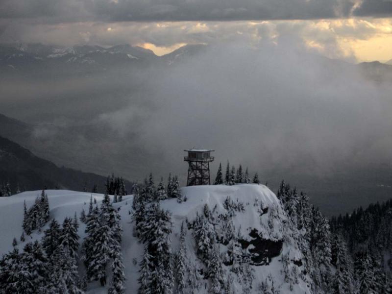 Lookout Mt, View W (LookoutMt040805-31adj.jpg)
