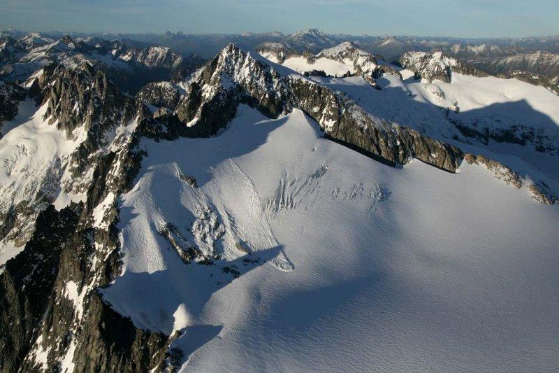 October Avalanche:  Eldorado Pk, Eldorado Glacier <br> (Eldorado102307-03.jpg)