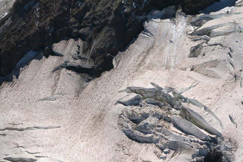 Hood, Eliot Glacier, Upper Icefall Detail <br> (Hood082407-_107.jpg)
