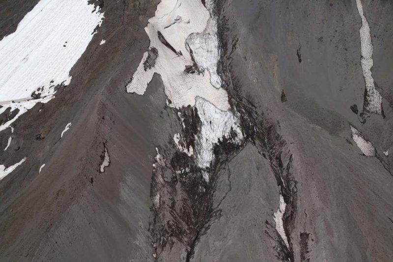 Hood: White River Glacier Terminus <br> (Hood082407-_459.jpg)