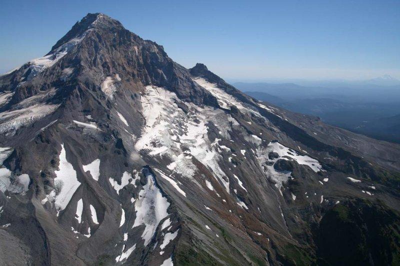 Hood: Glisan (L) & Sandy Glacier, View S <br> (Hood082907-_35.jpg)