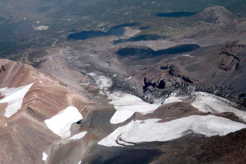 Shasta/Shastina Col, View Down Whitney Glacier <br> (Shasta082907-_167.jpg)