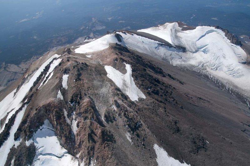 Shasta:  Upper NE Face/Summit, View SW <br> (Shasta082907-_186.jpg)
