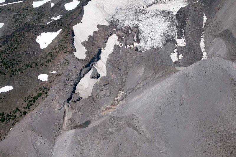 Jefferson, Waldo Glacier Terminus <br> (Jefferson082807-_064.jpg)