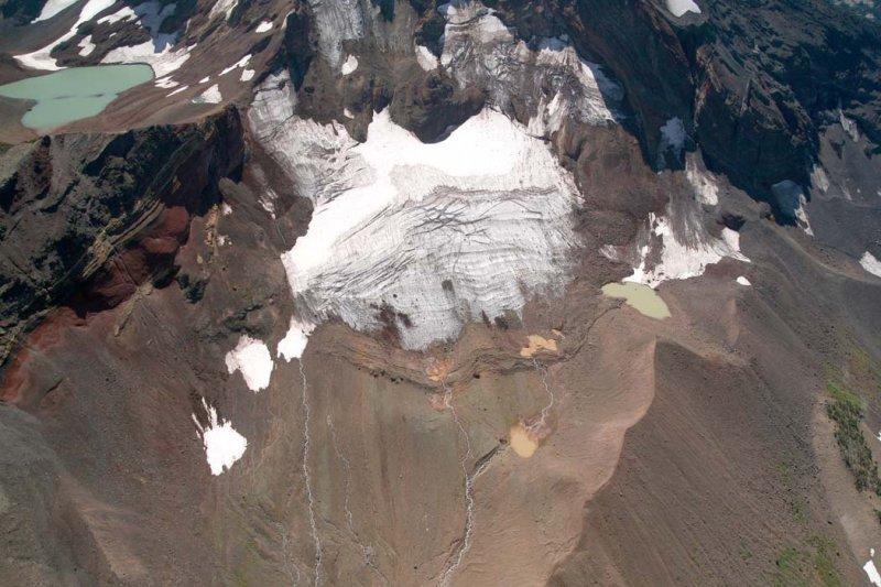 Broken Top:  Bend Glacier, Main Segment <br> (BrokenTop082807-_041.jpg)
