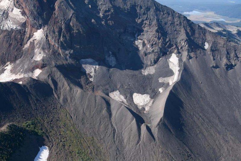 Broken Top: Bend Glacier, N Segment <br> (BrokenTop082907-_23.jpg)